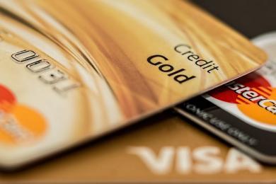 Korzystasz z bankomatu? Płacisz kartą? Bądź ostrożny!