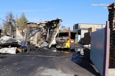Śledczy wyjaśniają okoliczności pożaru w Łaziskach Górnych