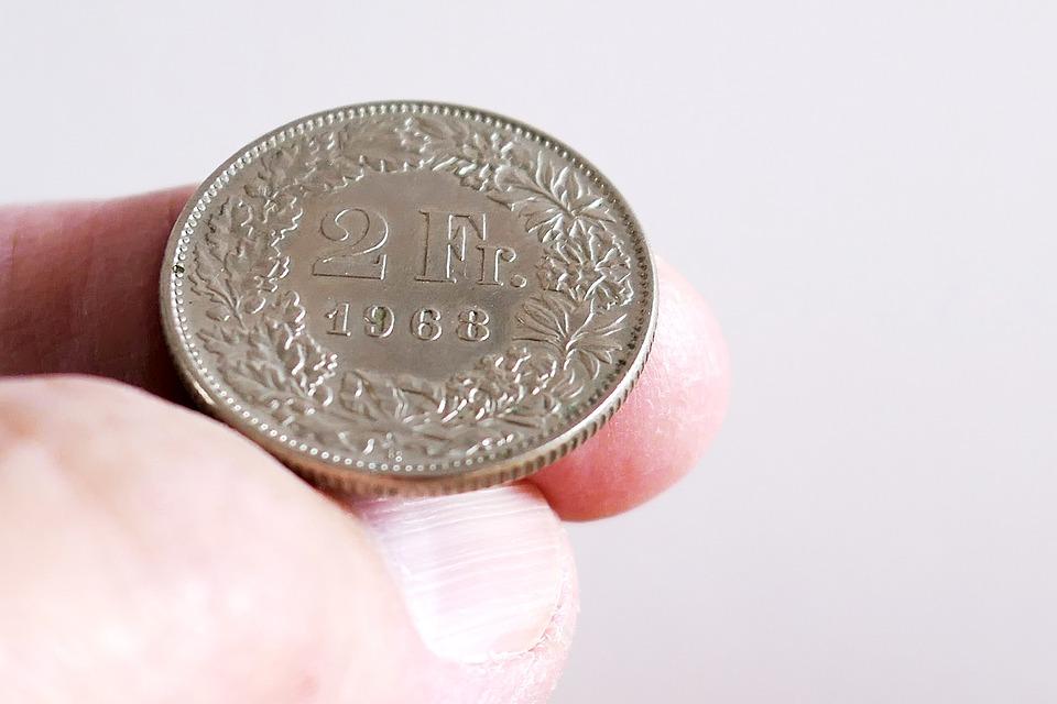 Nieważność umowy frankowej nie zawsze oznacza unieważnienie kredytu